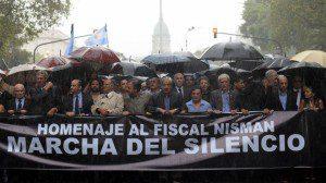 Miles-personas-participan-marcha-Nisman_IECIMA20150218_0068_19